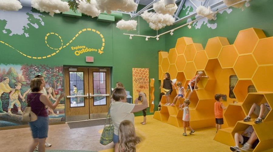 Toledo Zoo: Nature's Neighborhood