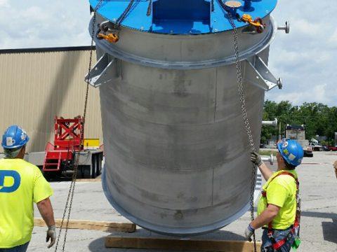 Safe Vessel Lift in Progress